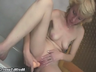Skinny Small Tits Toy Bathroom Bathroom Masturb Bathroom Tits