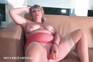 Mature Mom Saggytits