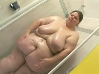 Showers BBW Mature