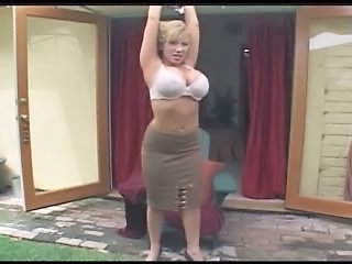 Big Tits Stripper MILF