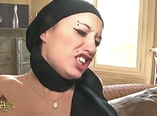 Pain Piercing Arab Arab