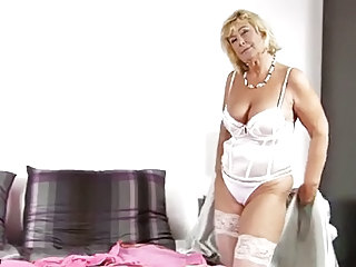 Cock Hungry Housewife Masturbates