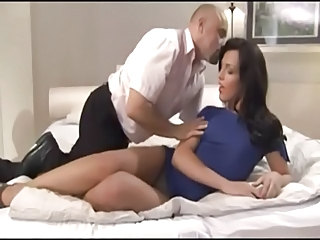 Teen Small Tits Shemale Get Fucked on Bed