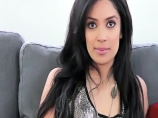 Gorgeous Arab girl does a casting free