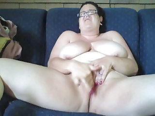 rubbing my clit