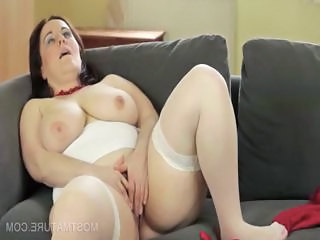 Nasty mommy dildo fucking cunt