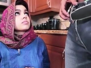 Kitchen Cute Babe Arab  Bus + Teen
