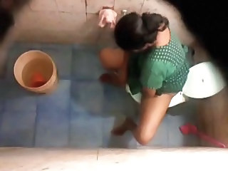 Bangla desi Neighbor aunty bathing & toilet Hidden cam