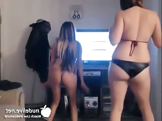 Gangnam Nude Style - Caught On Webcam