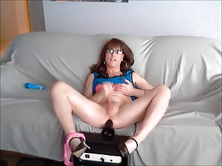 Amateur Toy Masturbating