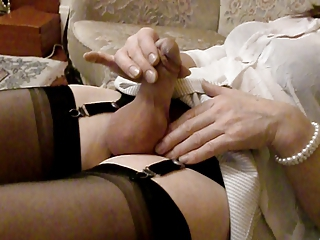 Mature Masturbating Amateur