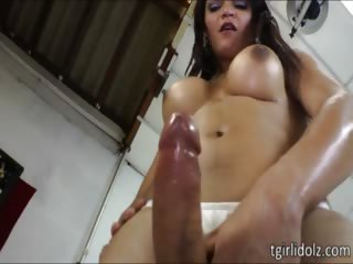 Video from: nuvid | Tempting tranny Lorraine Balde jacks off