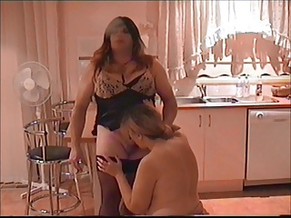MILF blows smoking tranny
