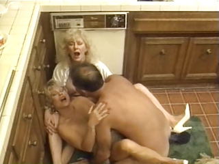 Mom Kitchen Threesome