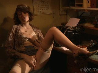 Secretary Masturbating Office Stockings