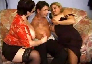 Handjob Mature Threesome
