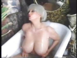Pornstar Big Tits Vintage Bathroom Bathroom Tits Big Tits