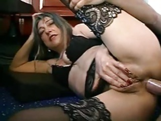 FRENCH MATURE WOMAN WITH PIERCINGS FUCKED BY THE PLUMBER