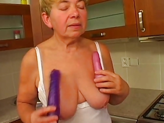 Toy Dildo Saggytits