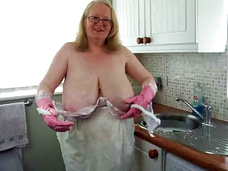 Big Tits Kitchen Glasses Amateur Amateur Big Tits Amateur Chubby