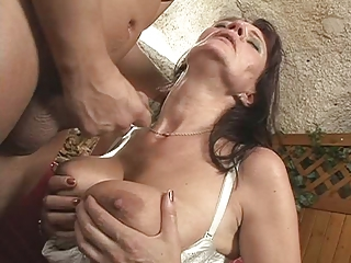 Saggy boobs - Cute mature squirt