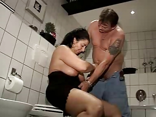 Mature Susi Fucked in her Bathroom by snahbrandy