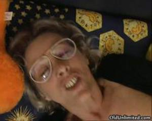 Nasty old whore goes crazy getting
