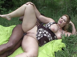 Mature Outdoor BBW