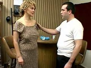 Відео з grannysexonly.com