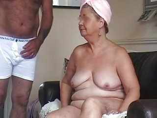 Videos von sexyoldgrannytube.com