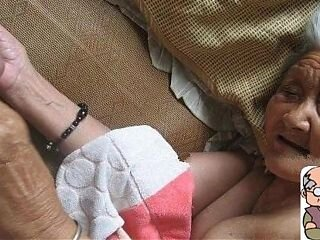 Videos from freehotgranny.com