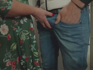 Video dari grannyfuck-xxx.com