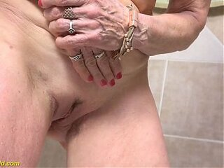 Videos von oldgrannypussies.com