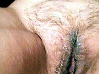 Video dari sexgrannyonly.com
