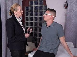 Mga video mula grannysexclub.com