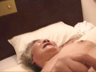 Video dari sexygrandmatube.com