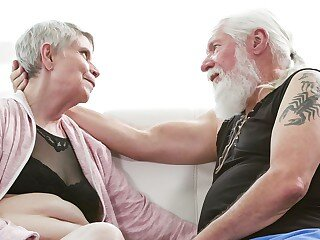 Mga video mula super-granny.com