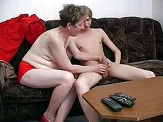 Mga video mula sweetgrannysex.com