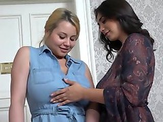 Video no hardlesbiansclips.com