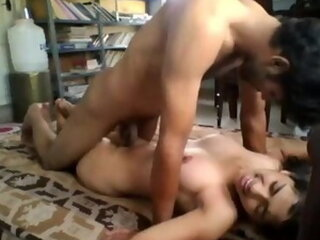 Video posnetki iz indianxxxvids.com