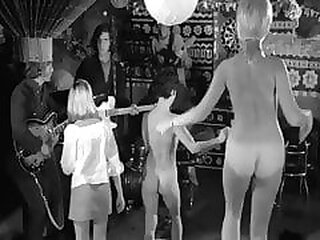 Video no retropornclub.com