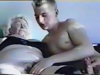 Videos from 60grannytube.com