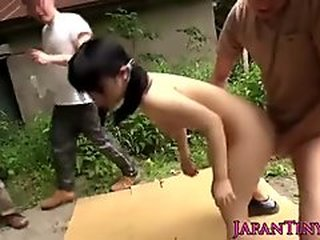 Videos from asianmomporn.com