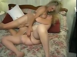 Another couple of mature lesbians