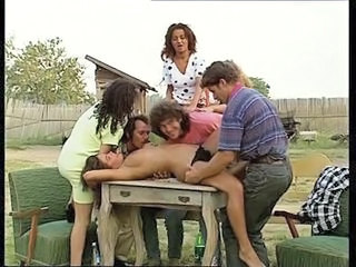 Ferme Sex Groupe MILF