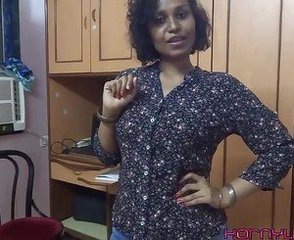 Amateur Indian Masturbating