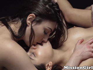 Innocent lesbian teens oil up and lick each other wildly Sex Tubes