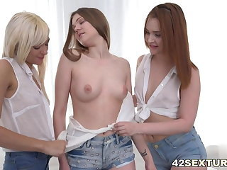 Lesbian cuties Lolla Shine, Shelley Bliss and Amanda Clarke